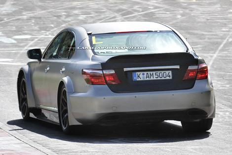 В интернете появились шпионские фотографии новой модификации седана Lexus LS