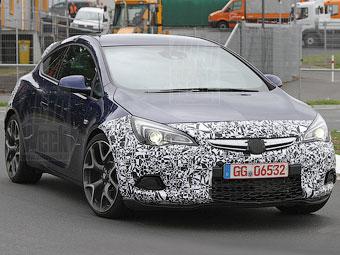 Появились шпионские снимки нового Opel Astra OPC
