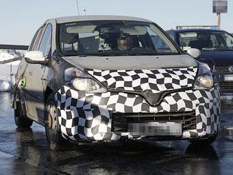 Фотошпионы засняли Renault Clio нового поколения