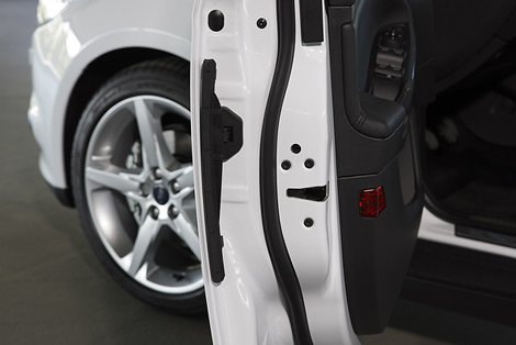 Компания разработала специальные протекторы для дверей автомобилей
