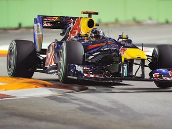 Незакрепленные бордюры осложнили свободные заезды Гран-при Сингапура