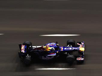 Себастьян Феттель установил лучшее время в тренировках Гран-при Сингапура