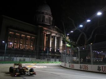 Команда Renault отказалась от обновлений из-за проблем с надежностью