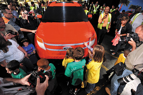 Машину из Lego построили для школы детского вождения во Флориде