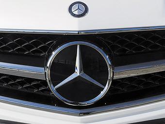 """Маленький """"купеобразный"""" седан Mercedes-Benz покажут в апреле"""