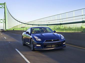 Появились подробности об обновленном суперкаре Nissan GT-R