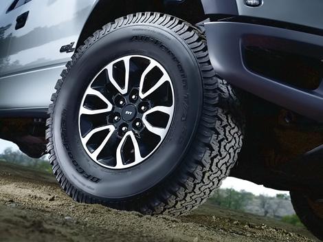Компания Ford представила пикап F-150 SVT Raptor 2012 модельного года