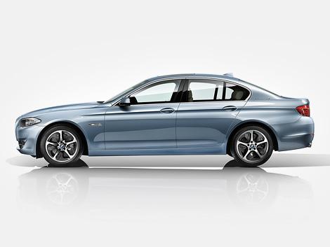 В марте следующего года компания BMW начнет продажи гибридной версии 5-Series. Фото 1