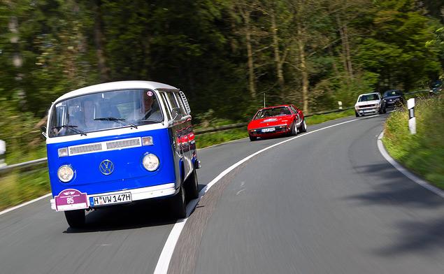 Путешествуем во времени вместе с VW Golf GTI MkI. Фото 9