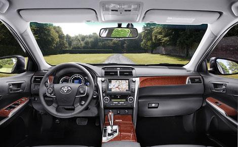 """C 4 октября дилеры """"Тойоты"""" начали принимать заказы на седан Camry нового поколения"""