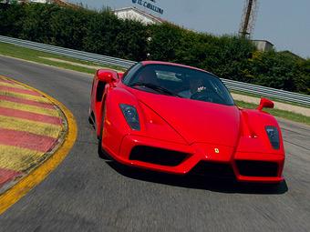 Ferrari начала испытания гибридного преемника суперкара Enzo