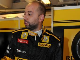 Владелец команды Renault Формулы-1 купит долю в компании Lotus Cars