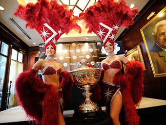 Чемпиону серии INDYCAR вручат копию победного кубка