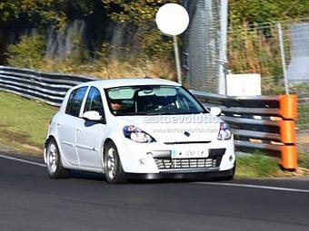 Renault разрабатывает пятидверный Clio RS
