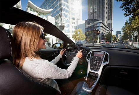 Панорамное лобовое стекло для Opel Astra GTC в Европе можно будет заказать за 1200 евро