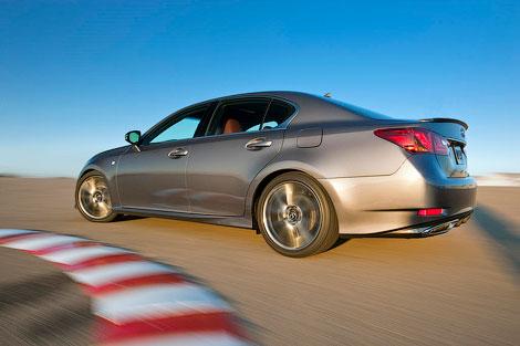 Компания Lexus представила седан GS нового поколения со спорт-пакетом F-Sport