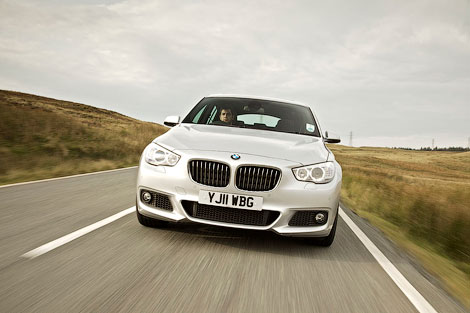 """Большой """"хэтчбек"""" BMW 5-Series GT получил спортивный обвес кузова, заниженную подвеску и М-салон. Фото 2"""