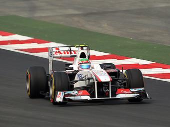 Хэмилтон и Перес потеряют по три места на старте Гран-при Индии