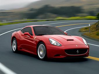 Обновленный суперкар Ferrari California станет легче и мощнее