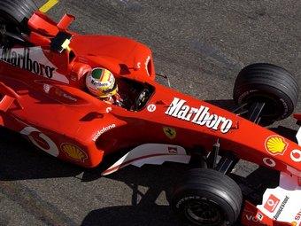Индийцы обвинили команду Ferrari в нарушении антитабачного закона