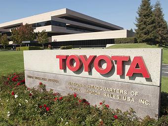 """""""Тойота"""" вернулась в тройку крупнейших автоконцернов США"""