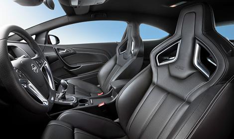 Хэтчбек Opel Astra OPC получил двухлитровый турбомотор мощностью 280 лошадиных сил. Фото 1