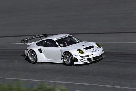 Компания Porsche сделала гоночный 911-й немного мощнее