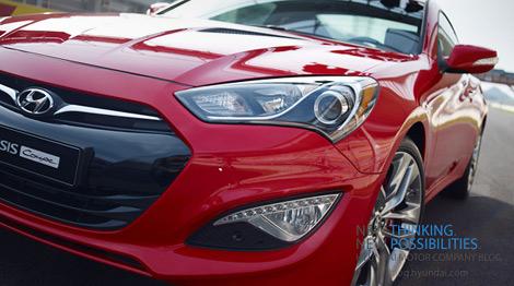 """Hyundai представит обновленное купе Genesis в ноябре на гоночной трассе """"Йонгам"""". Фото 1"""