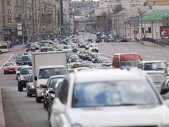 Половина продаж иномарок в России приходится на Москву и Петербург