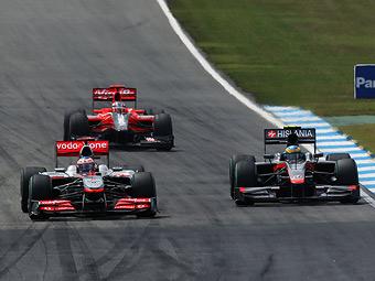 Босс команды McLaren раскритиковал идею Ferrari о третьем болиде