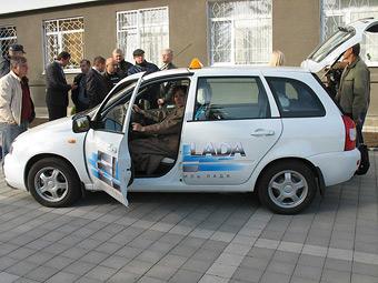"""""""АвтоВАЗ"""" начнет выпуск электромобилей в 2012 году"""
