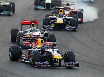Pirelli и Red Bull не смогли установить причину прокола колеса Феттеля
