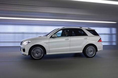Новый Mercedes-Benz ML 63 AMG получил 525-сильный твин-турбо двигатель V8