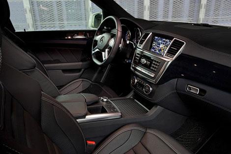 Новый Mercedes-Benz ML 63 AMG получил 525-сильный твин-турбо двигатель V8. Фото 3