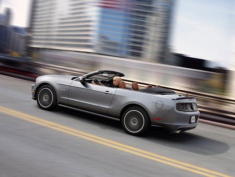 """""""Мустанги"""" получили обновленный дизайн, новые опции и более мощный мотор V8"""