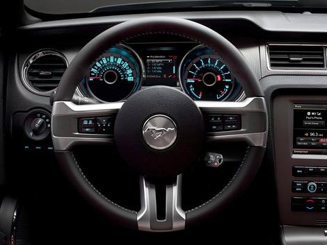 """""""Мустанги"""" получили обновленный дизайн, новые опции и более мощный мотор V8. Фото 3"""