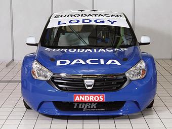 Dacia намекнула на новую модель гоночной машиной для ледовых гонок