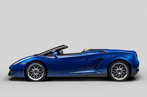 На моторшоу в Лос-Анджелесе дебютировал заднеприводный вариант суперкара Lamborghini Gallardo. Фото 1