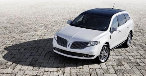В Лос-Анджелесе Lincoln представил обновленные модели MKS и MKT