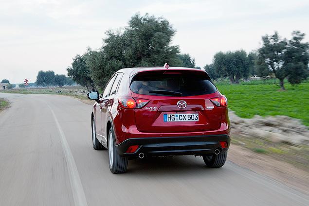 Знакомимся с первым компактным кроссовером Mazda. Фото 3
