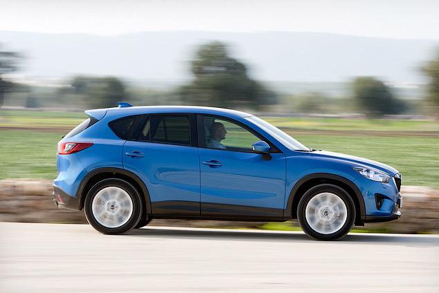 Знакомимся с первым компактным кроссовером Mazda. Фото 4