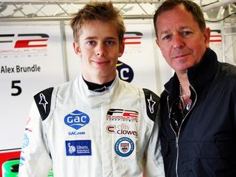 Бывший пилот Формулы-1 вернется в гонки вместе с сыном