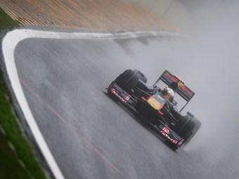Гонщики предсказали хаотичный Гран-при Бразилии под проливным дождем