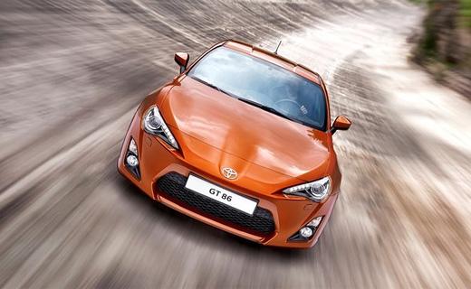 Toyota представила заднеприводное спорткупе