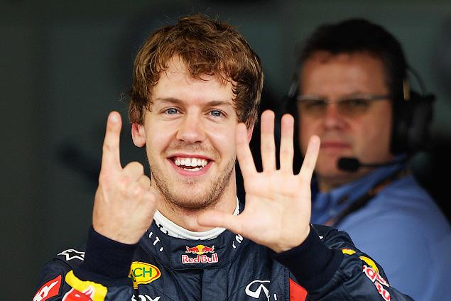 Марк Уэббер одержал первую победу в последней гонке сезона
