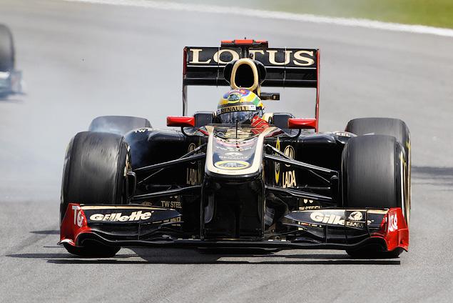 Марк Уэббер одержал первую победу в последней гонке сезона. Фото 2