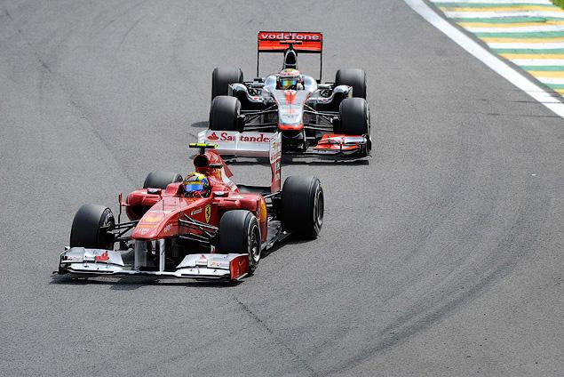 Марк Уэббер одержал первую победу в последней гонке сезона. Фото 4