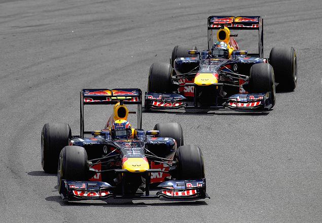 Марк Уэббер одержал первую победу в последней гонке сезона. Фото 5