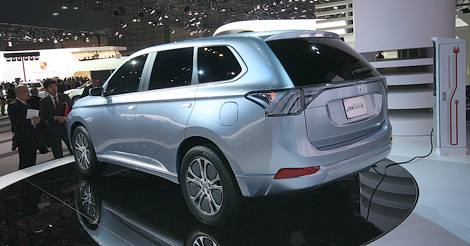 """В Японии представлен концептуальный гибрид Mitsubishi PX-MiEV, получивший внешность """"Аутлендера"""" следующего поколения"""