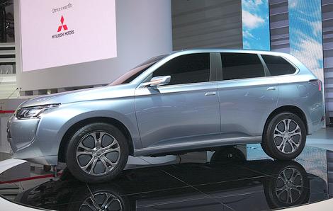 """В Японии представлен концептуальный гибрид Mitsubishi PX-MiEV, получивший внешность """"Аутлендера"""" следующего поколения. Фото 1"""